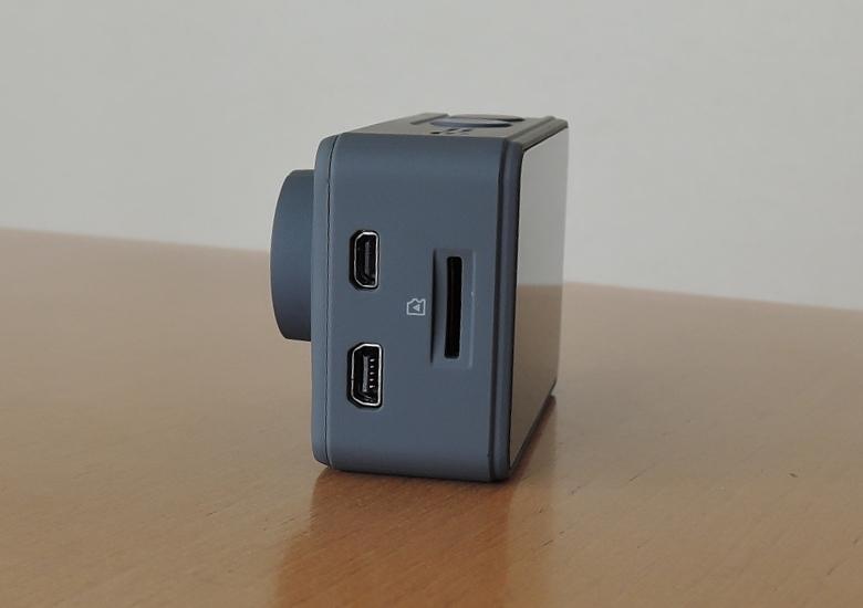AKASO V50 Pro 右側面