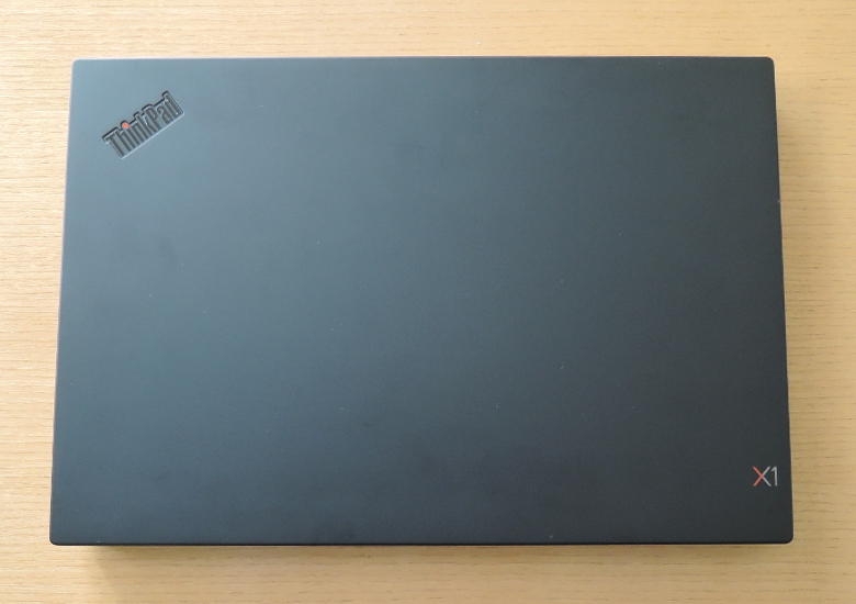 Lenovo ThinkPad X1 Extreme 天板