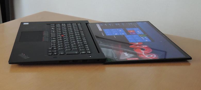 Lenovo ThinkPad X1 Extreme ヒンジ最大開口