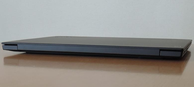 Lenovo ThinkPad X1 Extreme 背面