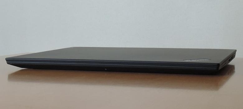 Lenovo ThinkPad X1 Extreme 前面
