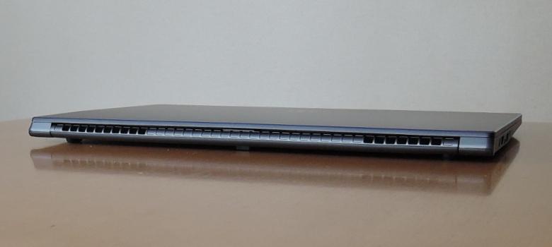 MSI PS63 Modern(PS63-8SC-035JP)背面