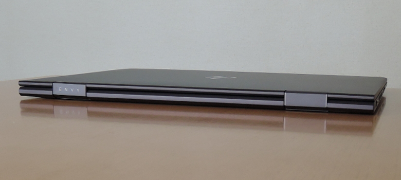 HP ENVY x360 15 背面