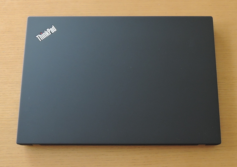 Lenovo ThinkPad T490 天板