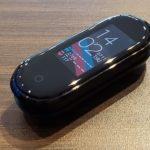 Xiaomi Mi Band 4 レビュー - Xiaomiの大ヒットフィットネストラッカーの最新モデルを試す!もう高価なスマートウォッチはいらない!?(実機レビュー:かのあゆ)