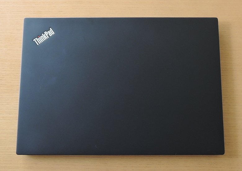 Lenovo ThinkPad T490s 天板