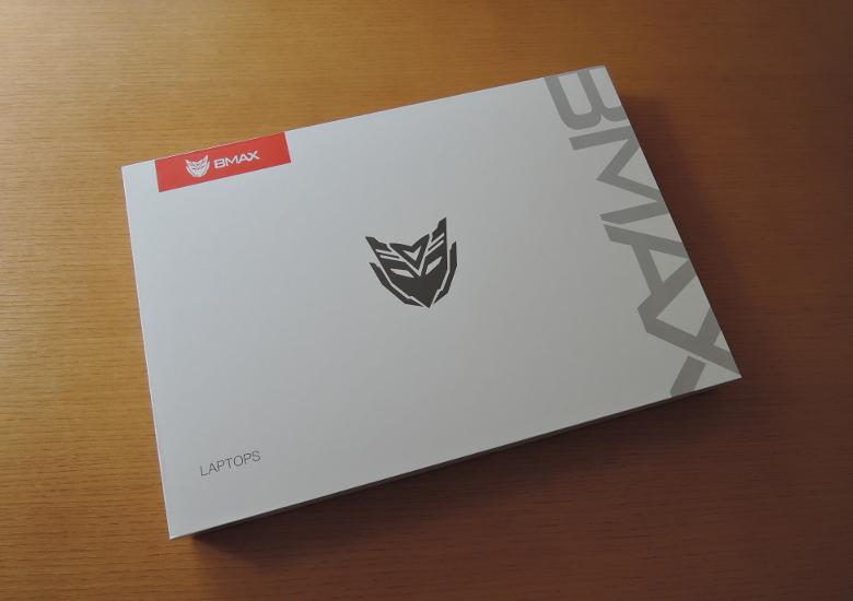 BMAX Y11 外箱