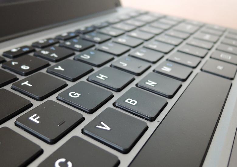 CHUWI HeroBook キーボード拡大