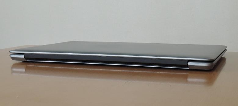 CHUWI HeroBook 背面