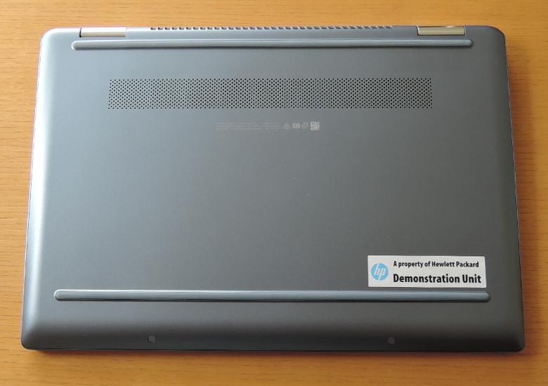 HP Chromebook x360 14 底面