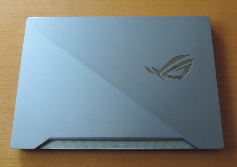 ASUS ROG Zephyrus S GX502GV 天板