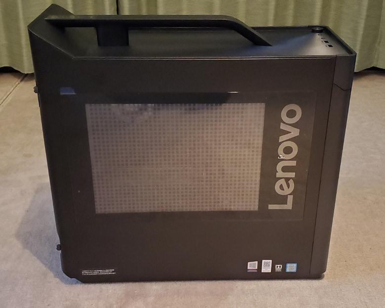 Lenovo Legion T730 右側面