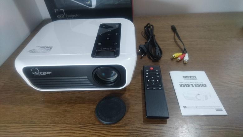 TOPRCIS T8 Full HD プロジェクター パッケージ内容