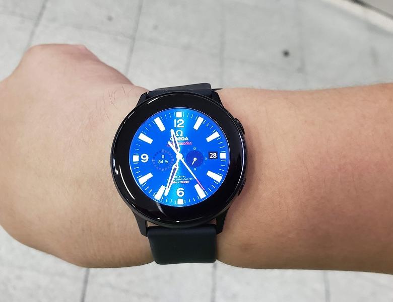 Galaxy Watchi Active ディスプレイ