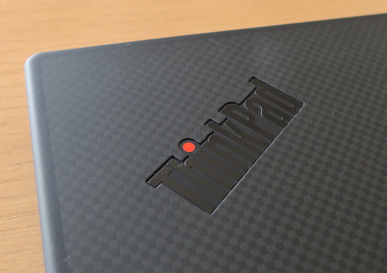 Lenovo ThinkPad X1 Carbon 2019 天板