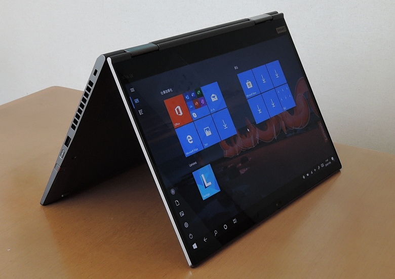 Lenovo ThinkPad X1 Yoga(2019) テントモード