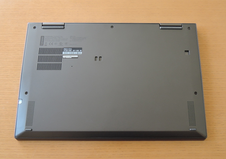 Lenovo ThinkPad X1 Yoga(2019) 底面