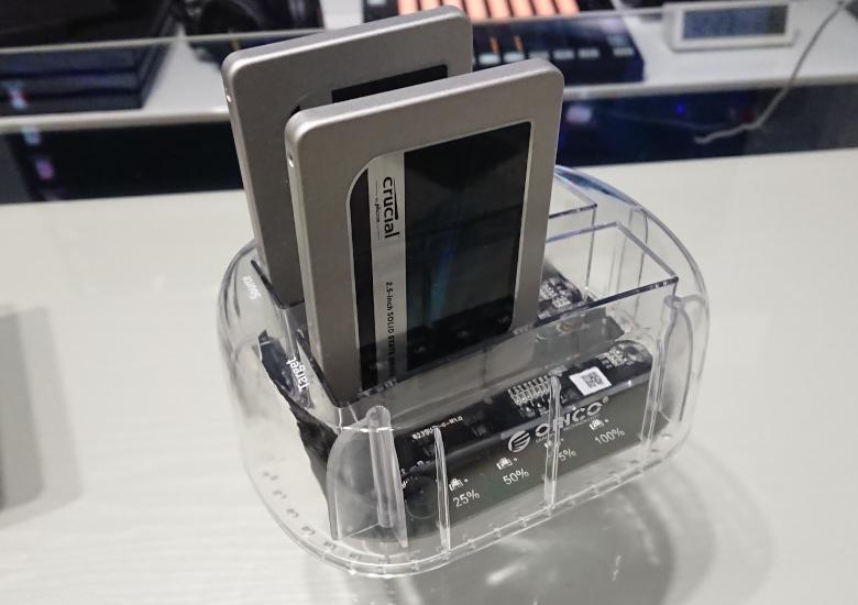 ORICO HDD Clone差し込み2