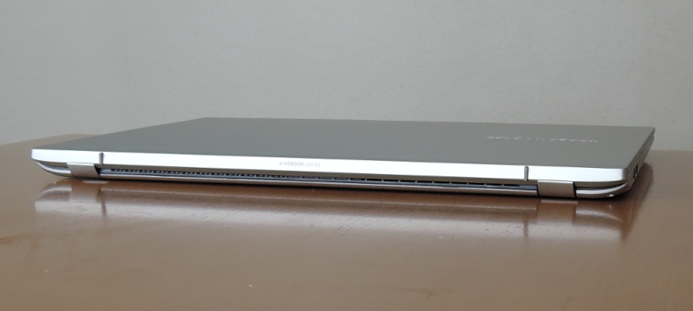 ASUS VivoBook S15 S531FA 背面