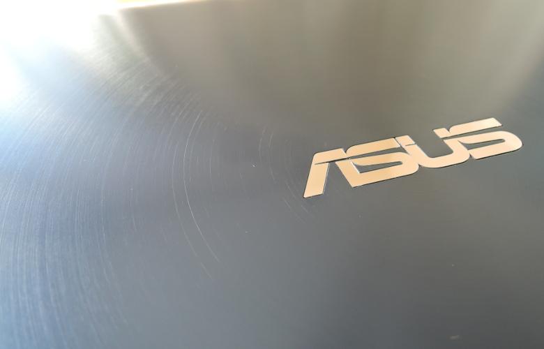 ASUS ZenBook 14 UX434FL 天板