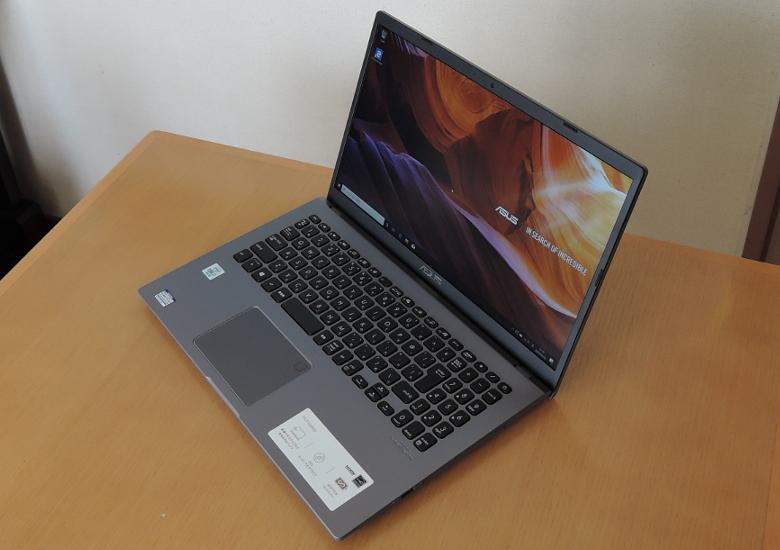 ASUS Laptop 15(X545FA)レビュー