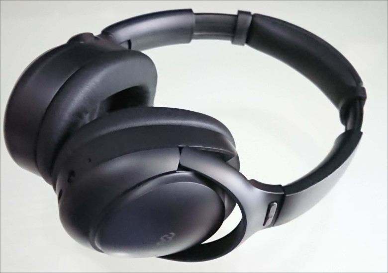 mu6_space2_headphone