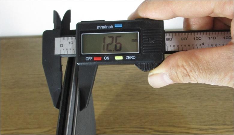 MOFT Zの厚さは12.6mm