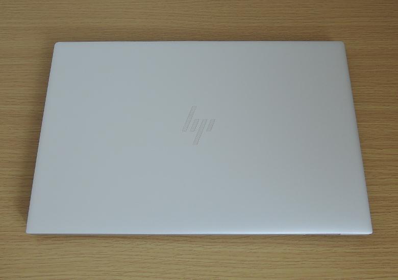 HP ENVY 15 天板