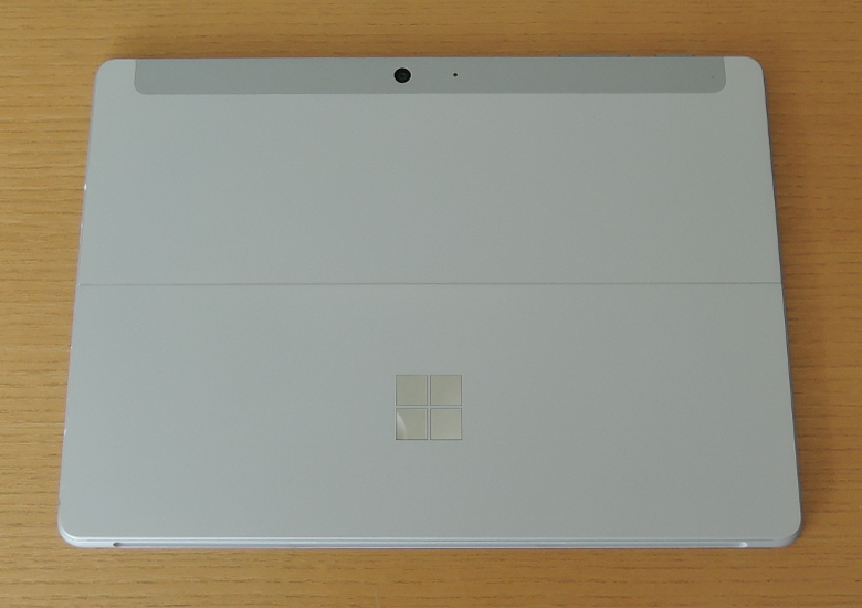 Microsoft Surface Go 2 背面
