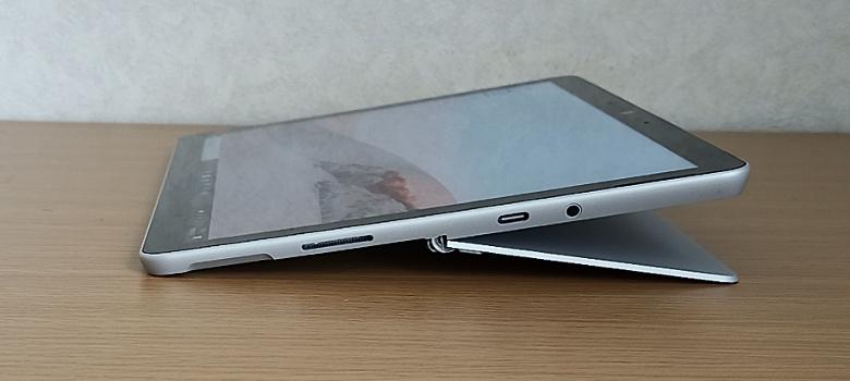 Microsoft Surface Go 2 キックスタンド