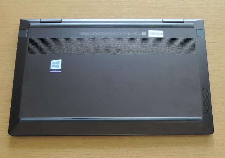 HP ENVY x360 13(ay0000)底面