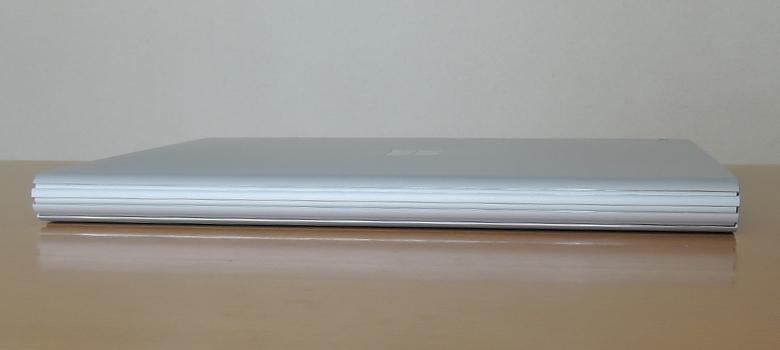 Microsoft Surface Book 3 背面