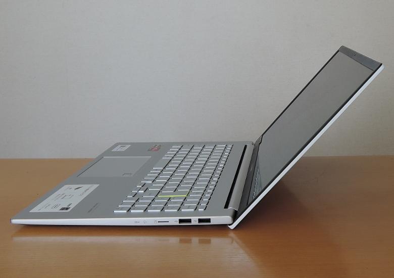 ASUS VivoBook S15 M533IA 横から