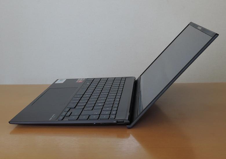 ASUS ZenBook 14 UM425I ヒンジ最大開口