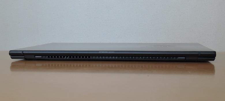ASUS ZenBook 14 UM425I 背面
