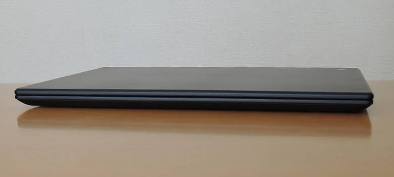 dynabook GZ83 前面