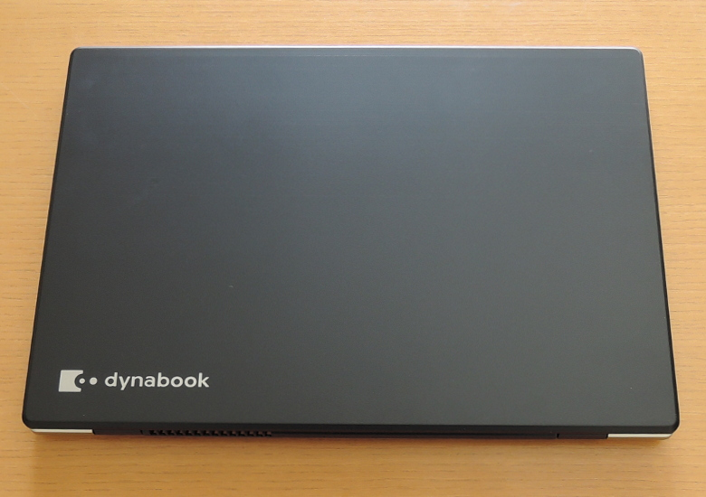dynabook GZ83 天板