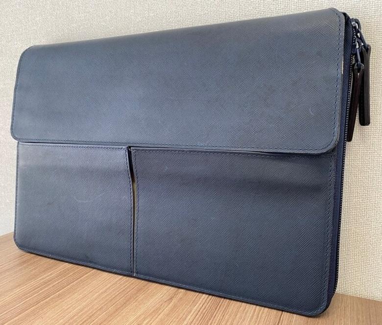Porta Lab 藍染レザー 2way PCケースをプレゼント