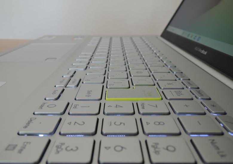 ASUS VivoBook S15 S533EA キーボード