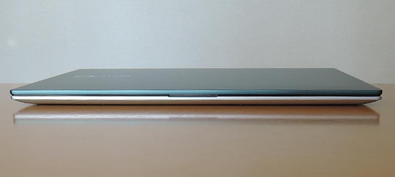 ASUS VivoBook S15 S533EA 前面