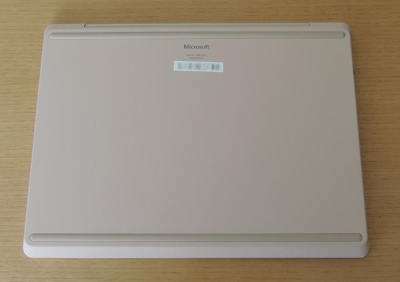 Microsoft Surface Laptop Go 底面