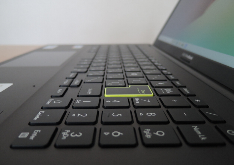 ASUS VivoBook 15 K513EA キーボード