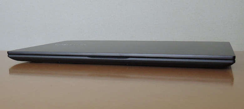 ASUS VivoBook 15 K513EA 前面