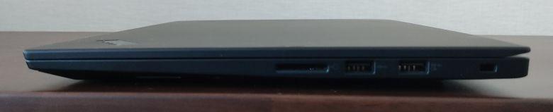 ThinkPad P1 Gen3 右側面