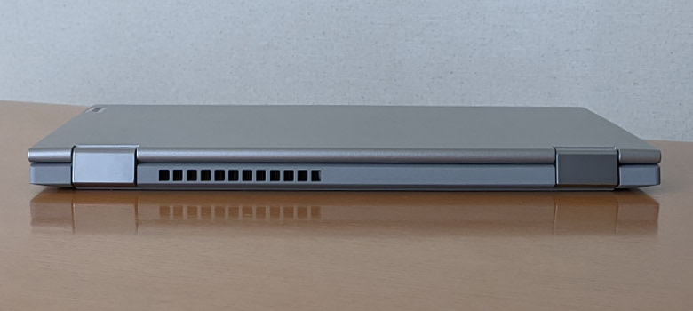 Lenovo IdeaPad Flex 550(14) 背面