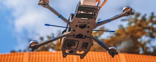 BETAFPV X-Knight 360 - ドローンにも360度カメラ搭載で未来の映像体験へ、「見えないドローン」ってどういうこと?