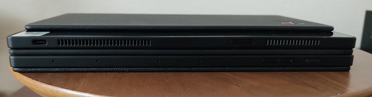 Levovo ThinkPad X1 Fold 折りたたみ手前