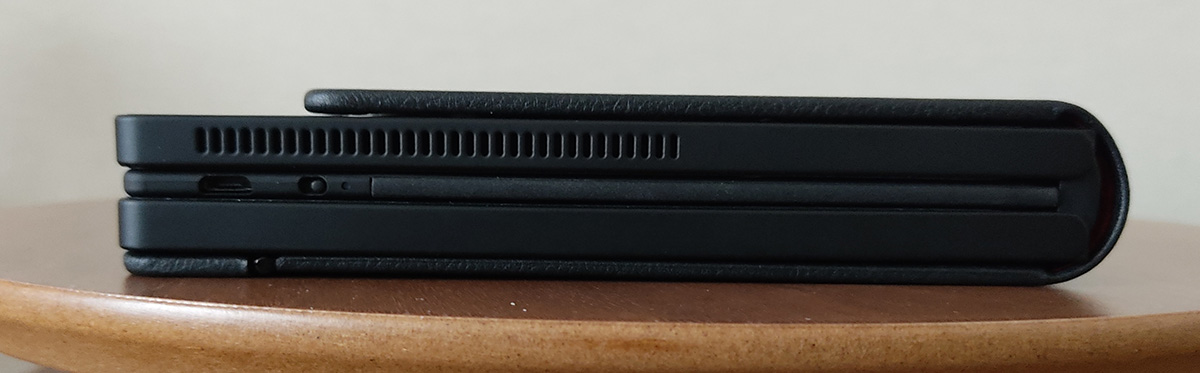 Levovo ThinkPad X1 Fold 折りたたみ右
