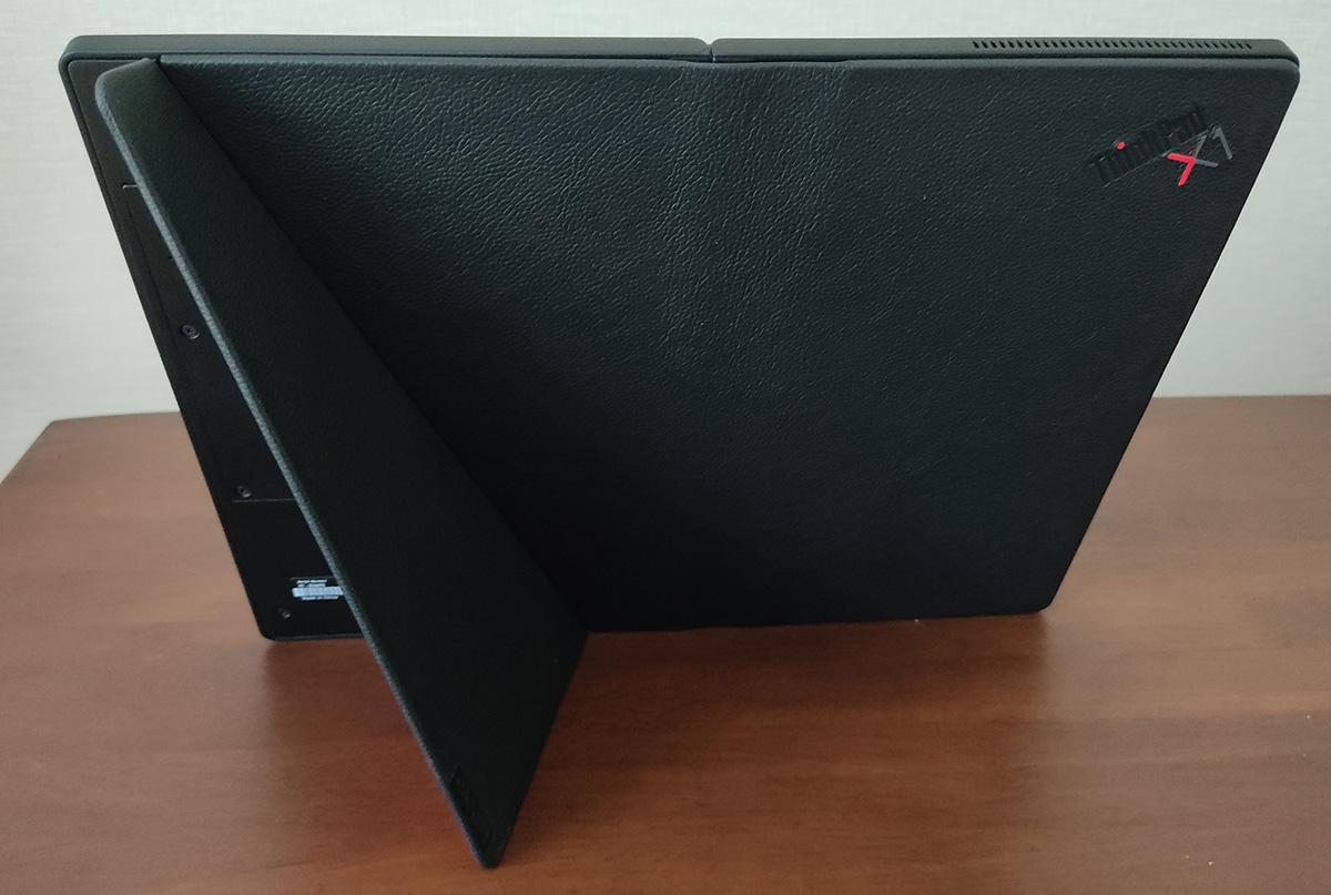 Levovo ThinkPad X1 Fold スタンド2