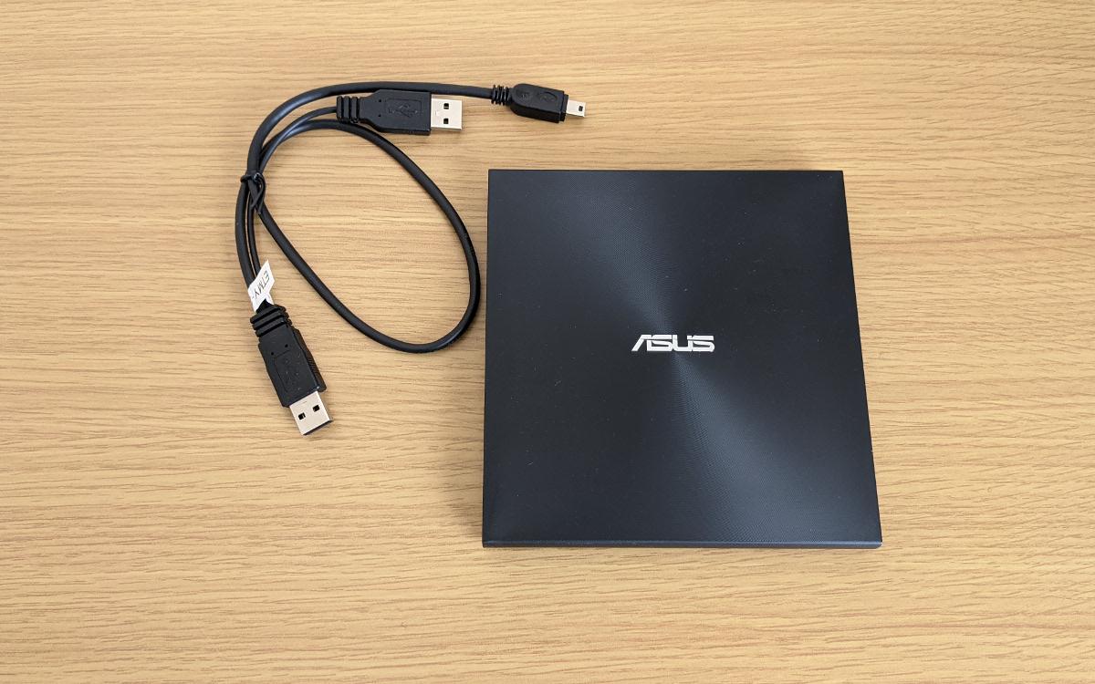ASUS Zen AiO 24 A5401W DVDドライブ